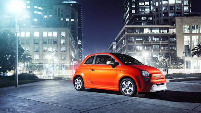 Fiat 500 adds electric and big versions to lineup