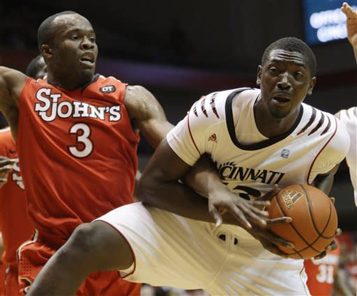 Putback gives St. John's 57-55 win over Cincinnati