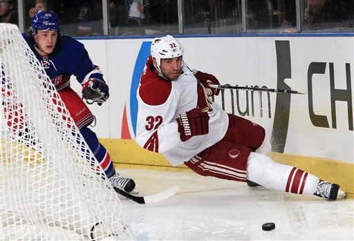 Stepan lifts NHL-best Rangers over Coyotes in SO