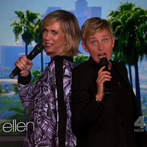 Ellen and Kristen Wiig Sing 'Frozen'