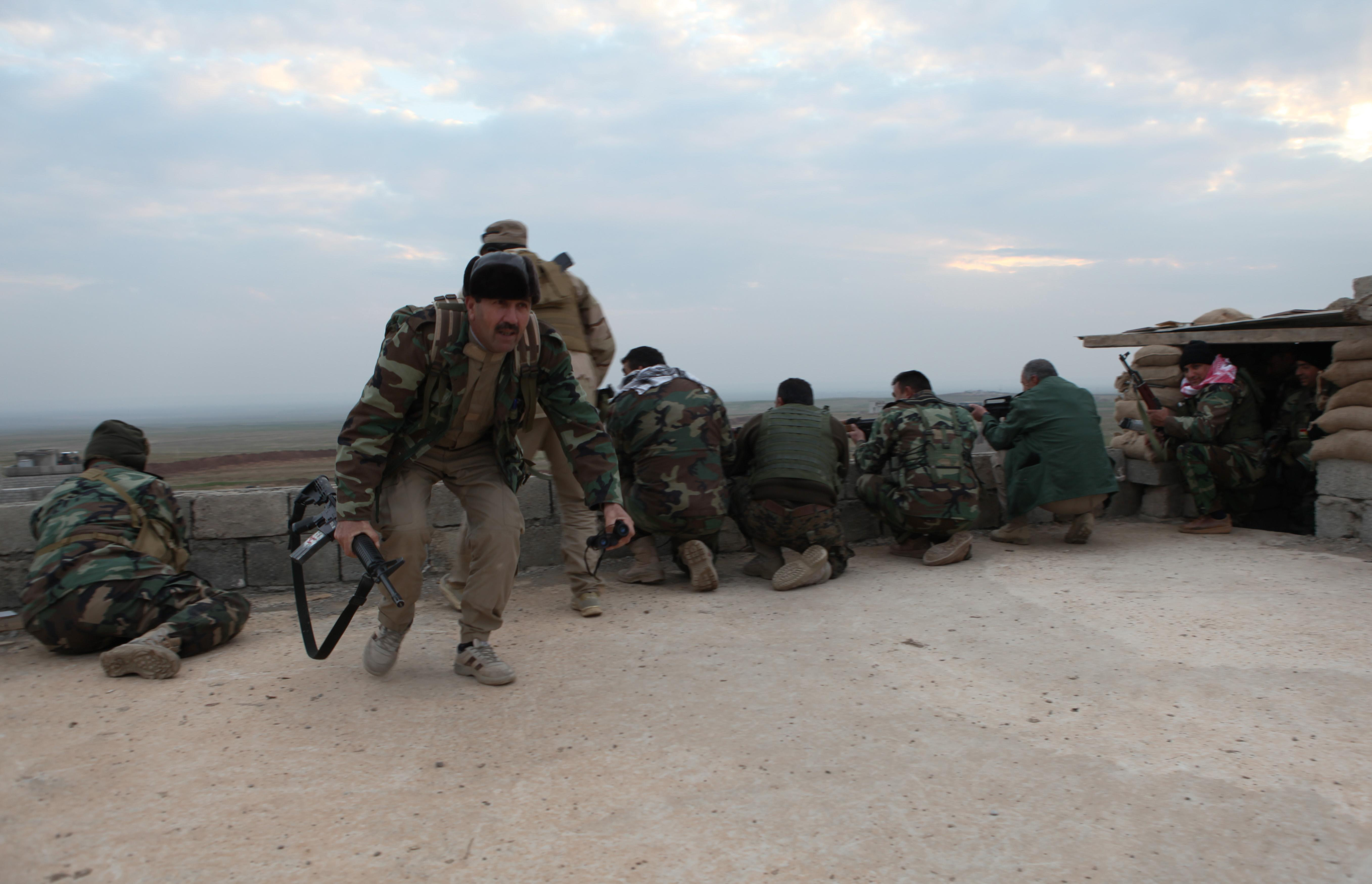Kurds advance against IS group in Syria, Iraq