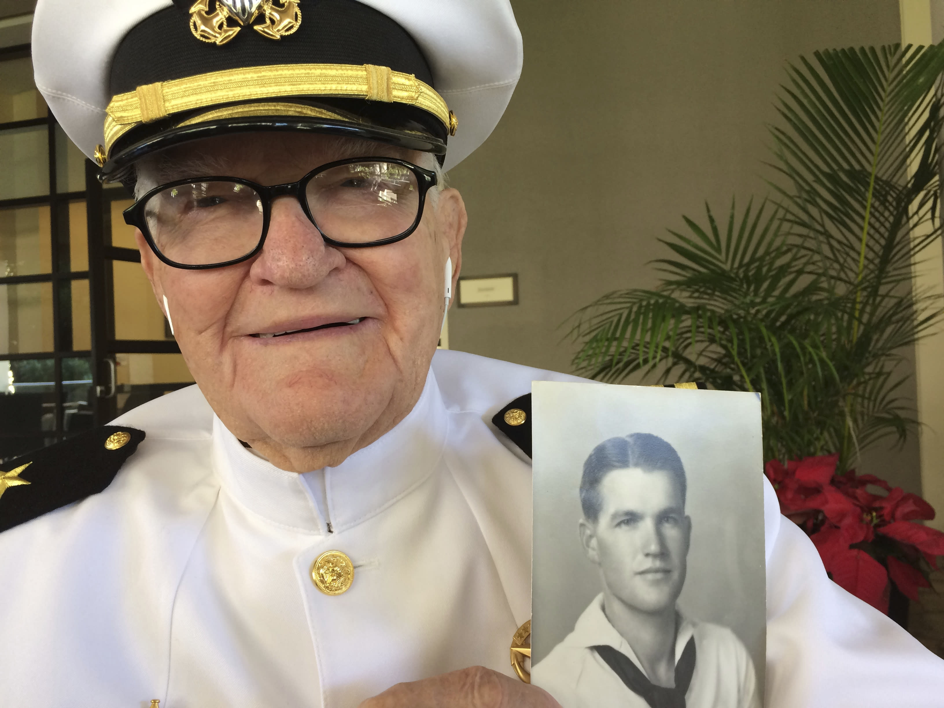 Crowd honors 'gift of freedom' from Pearl Harbor servicemen