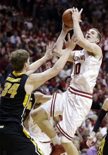 No. 1 Indiana rebounds with 73-60 win over Iowa