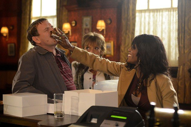 Ian Beale&#39;s cake isn&#39;t to Denise Fox&#39;s taste