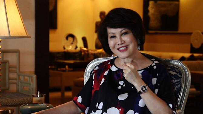 """How a Former PBS Reporter Became """"The Most Famous Woman in China"""""""