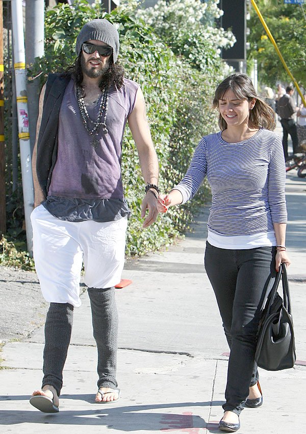 Russell Brand's New Diss — Dating Katy Perry Look-Alike