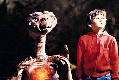 E.T. and Elliott ( Henry Thomas ) in Universal's E.T. The Extra-Terrestrial