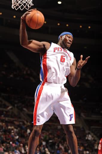 Gordon leads Pistons past 76ers in finale