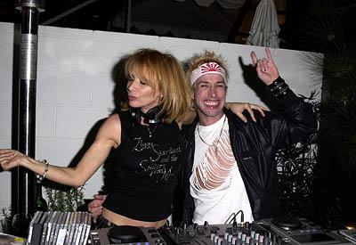 "Rosanna Arquette and Alexis Arquette WWD's ""Black, White and Diamonds"" Pre-Oscar Party Beverly Hills, CA 3/21/2001"