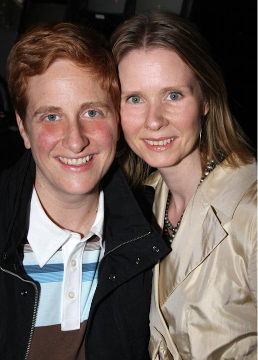 Cynthia Nixon de Sex and the City se casa con su novia Christine Marinoni