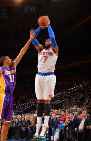 Anthony scores 35, Knicks beat Lakers 110-103