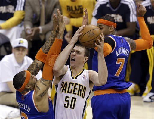 Pacers protect home court, beat Knicks 82-71