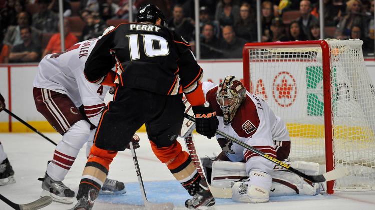 NHL: Phoenix Coyotes at Anaheim Ducks