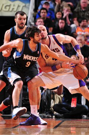 Suns survive OT for 84-83 win over Wolves