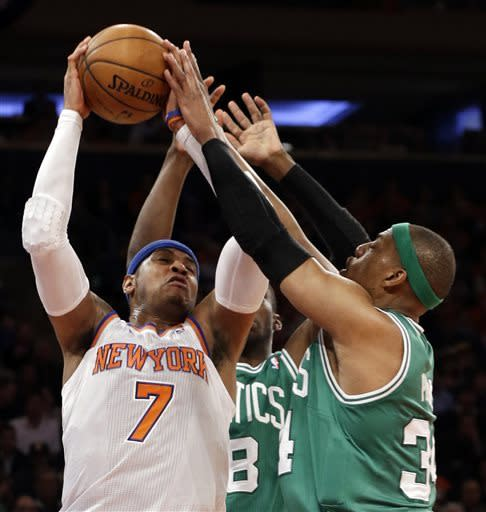 Anthony scores 36, Knicks beat Celtics in Game 1