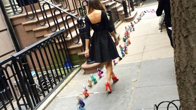 SARAH JESSICA PARKER TRESPASSES IN THE NAME OF CARRIE BRADSHAW