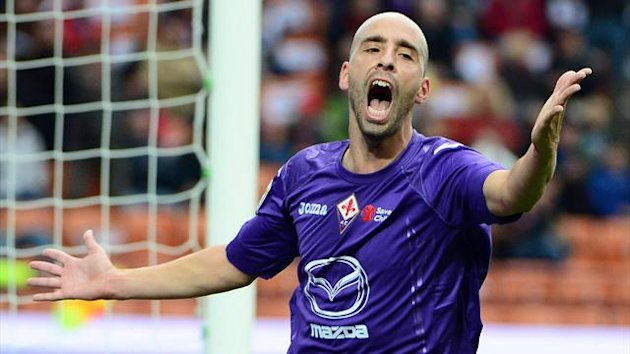 ITALY, MILANO : Fiorentina's Spanish midfielder Borja Valero Iglesias celebrates scoring during the serie A football match between AC Milan and Fiorentina on November 11, 2012 at the San Siro stadium in Milan. AFP