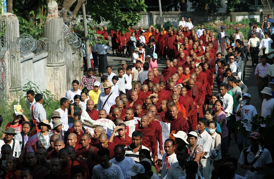 Myanmar monks protest to demand crackdown apology