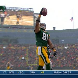 Green Bay Packers tight end Andrew Quarless 2-yard touchdown reception