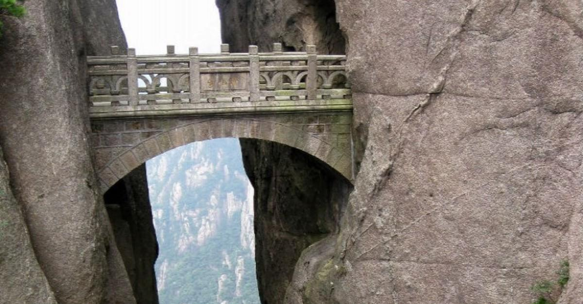 24 Breathtaking Bridges From Around The World