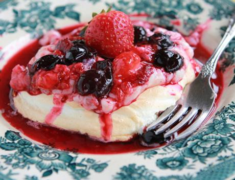 Downtown Abbey | Berry Meringue Pudding