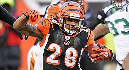 Bengals place RB Scott on I.R