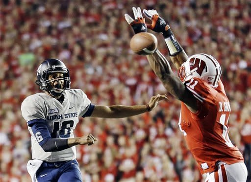 Utah State misses late FG, Wisconsin wins 16-14