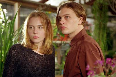 Agnes Bruckner and Michael Pitt in Warner Brothers' Murder By Numbers