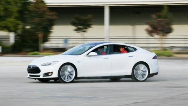 The Model S has a low center of gravity that prevents roll-overs.