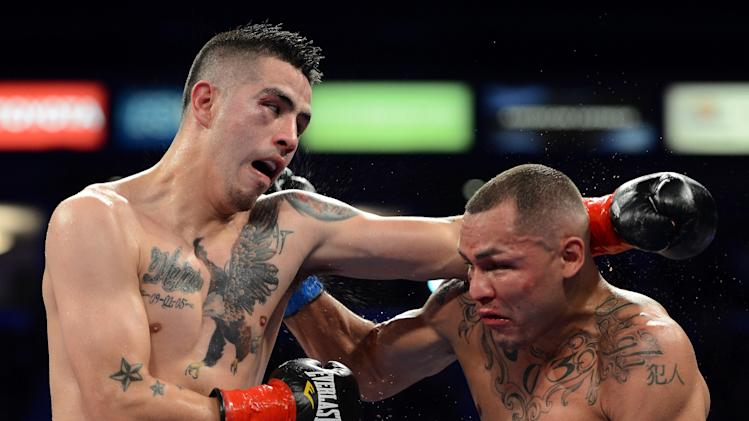 Mike Alvarado vs Brandon Rios