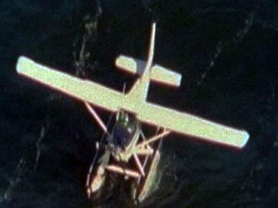 Raw Video: Two rescued from sinking plane