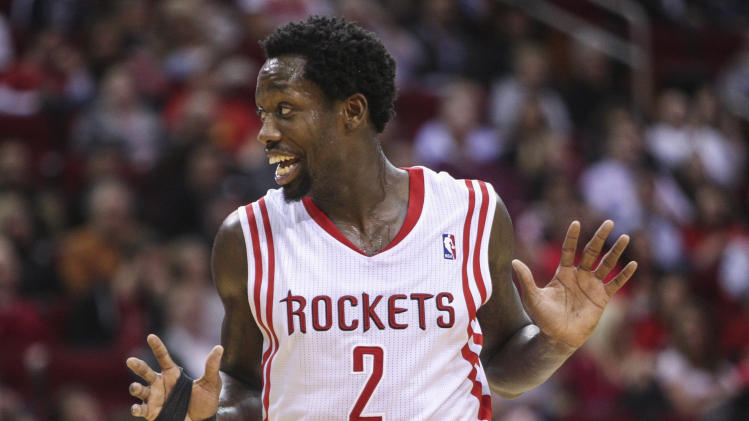 Patrick Beverley is Bane now, trains in intense breathing mask …