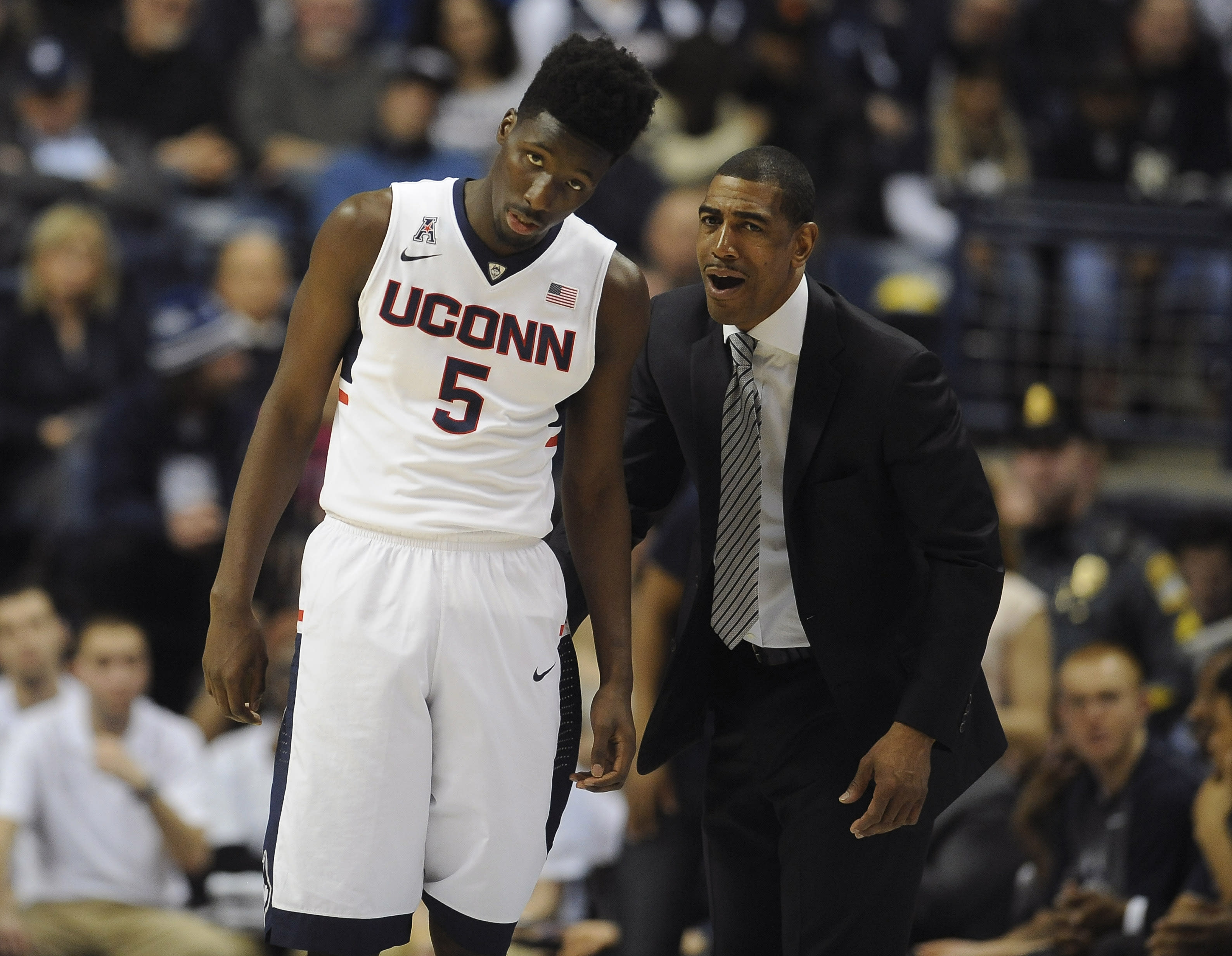 UConn coaches prohibited from attending the Final Four