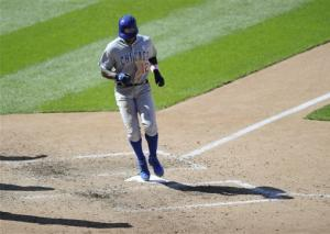 Cubs use unearned run to rally past Nationals 2-1