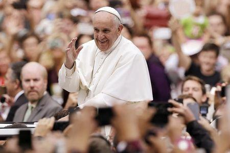 Good feelings toward Catholic Church up in U.S. since pope's visit: poll