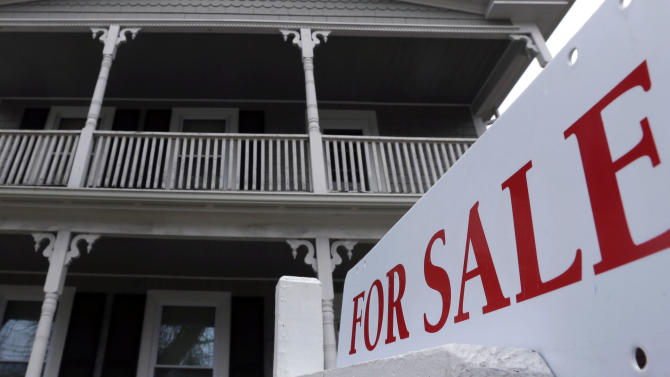 US home sales slip as supply remains tight
