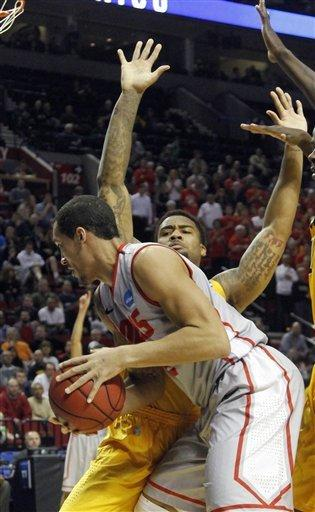 New Mexico holds off Long Beach State 75-68