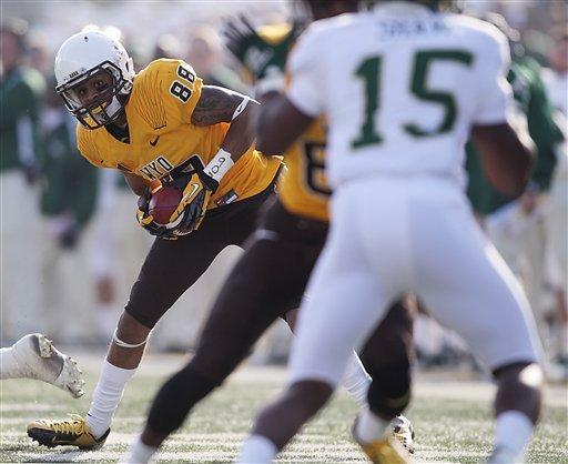 Smith leads Wyoming past Colorado St. 45-31