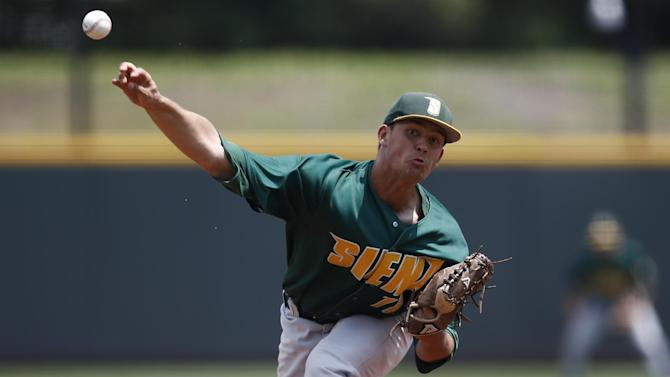 San Houston State beats Siena 9-2