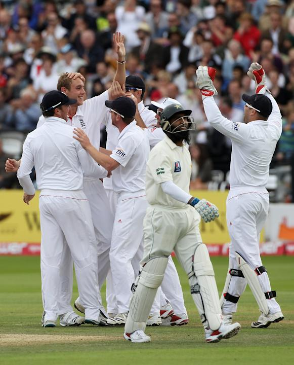 England v Pakistan: 4th Test - Day Three