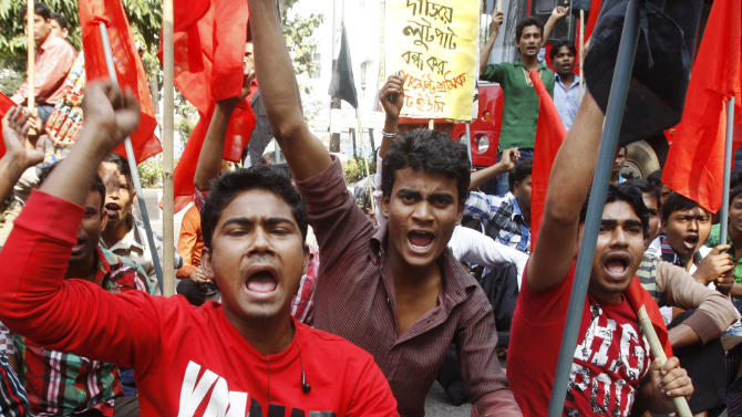 Bangladesh workers protest; families of dead plead