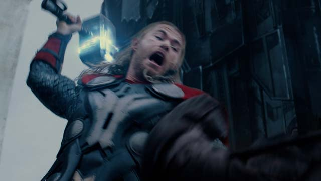 'Thor: The Dark World' Clip: Battle Between Realms