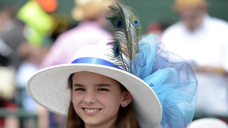 Horse Racing: Kentucky Oaks