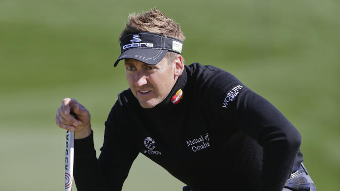 Ian Poulter lines up a putt on the third green during a third round match against Tim Clark at the Match Play Championship golf tournament, Saturday, Feb. 23, 2013, in Marana, Ariz. (AP Photo/Julie Jacobson)