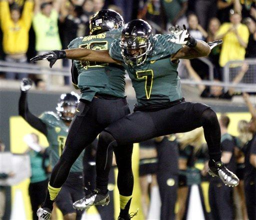 No. 3 Oregon blanks No. 22 Arizona 49-0