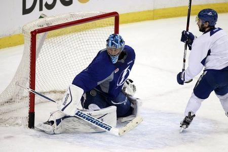 Bishop stands tall in net for Lightning