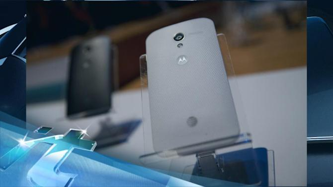 Breaking News Headlines: Motorola Gives Friends and Family a Free Moto X to Test Online Configuration Engine