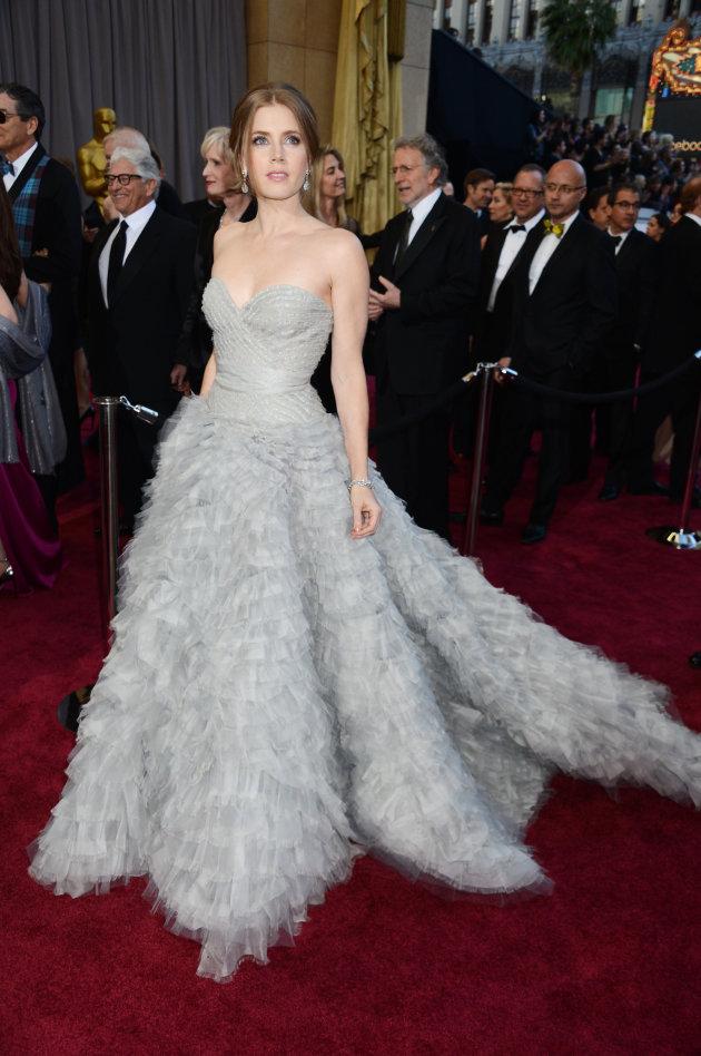 Baguseven Blog 12 Gaun Tercantik Di Karpet Merah Oscar 2013