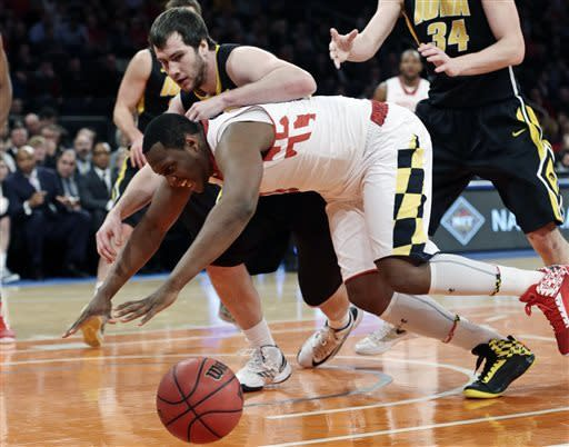 Iowa reaches NIT final with 71-60 win over Terps