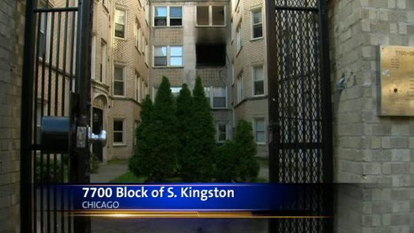 6 injured in South Side apartment fire